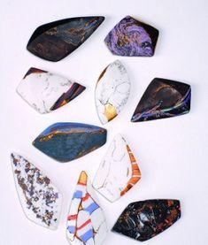 "white porcelain /colored porcelain / pigments / liquid gold, liquid platinum / polishing /nano coating / 1250 degree oxidation firing / 2013 ""cera-stone. 도자기로 만들어진 원석. 원석은 보는 이로 하여금 그 자연 본연의 아름다운 색감과 형태 안에서 수많은 감성을 일으킨다. 하나의 돌멩이가 보석이 되어 가치를 높인다. 소유하는 이의 마음을 풍요롭게 해준다. 원석과 같은, 원석의 가치가 있는 도자기. 그런.."