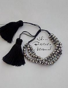 Handmade Accessories, Jewelry Accessories, Handmade Bracelets, Jewelry Bracelets, Girls Necklaces, Christmas Jewelry, Pearl Jewelry, Beaded Necklace, Fashion Jewelry