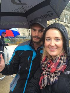 And even more photos of Jamie Dornan posing with fans today http://fiftyshadesupdates.blogspot.com/2014/10/photos-jamie-dornan-with-some-fans-in.html …