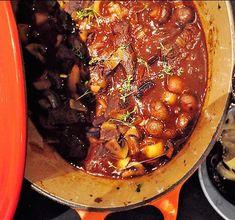 Långkok! Laga denna goda, mustiga höstgryta gjord på högrev - perfekt för mörka höstkvällar. Klicka in för att få receptet.