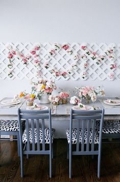Your Mother's Day brunch won't be complete without a DIY floral backdrop for photos. day backdrop 39 Mother's Day Gift Ideas That Go Beyond the Bouquet Mothers Day Decor, Mothers Day Brunch, Mothers Day Crafts, Mother Day Gifts, Mothers Day Event, Mothers Day Flowers, Mother's Day Activities, Mother's Day Photos, Floral Backdrop