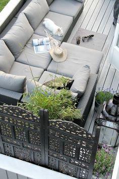 Gestaltungsideen moderne Terrasse Bequemlichkeit Outdoor Möbel Holzboden