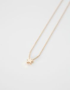 Discover this and many more items in Bershka with new products every week Star Necklace, Gold Necklace, My Shopping List, Cute Jewelry, Minimalism, Stars, Macedonia, Croatia, Accessories