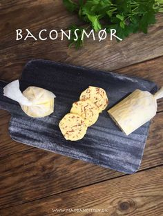 Bacon butter - compound butter with bacon bits Low Carb Recipes, Snack Recipes, Lchf, Keto, Bacon And Butter, Compound Butter, Best Meat, Bacon Bits, Summer Bbq
