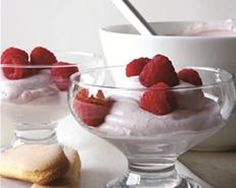 Puréed and strained raspberries give this luxurious whipped dessert a gorgeous, bright pink color and a lovely tanginess to balance the sweet yogurt-cream base. It is the definition of elegance, served in cocktail glasses with crisp ladyfinger cookies. Healthy Dessert Recipes, Just Desserts, Delicious Desserts, Yummy Food, Healthy Sweets, Ellies Real Good Food, Raspberry Fool, Fool Recipe, Sweet Recipes