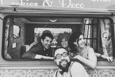 Las fotos más divertidas de la boda #ibiza #ibiza2015 #caravanadecorada #ibizaboda #weddingibiza #bodaibiza Ibiza Wedding, Caravan, Renting, Couple Photos, Couples, Weddings, Hilarious, Events, Couple Shots