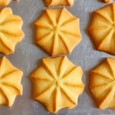 Prepare some delicious Star Butter Tea Cookies in only 5 steps and using 3 ingredients, their flavor and texture makes them perfect to accompany with Coffee. Gooey Cookies, Tea Cookies, Cupcake Cookies, Cupcakes, Mexican Pastries, Cookie Recipes, Dessert Recipes, Super Cookies, Pan Dulce