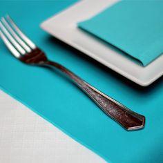 Los #caminos de #mesa son un buen complemento para #decorar tu #mesa con #colores y poder combinarlos perfectamente con nuestras #servilletas de #papel  #decoramostumesa
