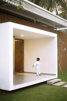 28 Ideas For Hotel Door Design House Door Design Interior, Entrance Design, House Entrance, Exterior Design, Interior Ideas, Entrance Ideas, Door Ideas, Minimal House Design, Minimal Home
