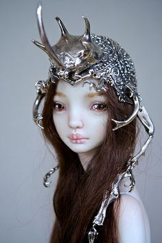 The Hybrid Beetle Crown ~ I haven't collected dolls since I was a kid, but I think the crown is absolutely magical. Good grief, what is happening to me?!