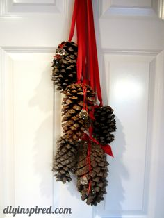 Hanging Pine Cone Decoration (1)