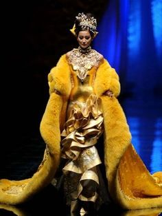 Guo Pei's exquisite couture