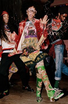 Gucci Pre-Fall 2017 ad campaign, which features only black models, was photographed by Glen Luchford and styled by Alessandro Michele and reference the Gucci Fashion, Look Fashion, High Fashion, Fashion Beauty, Couture Fashion, Gucci Pre Fall 2017, Gucci 2017, Gucci Campaign, Campaign Fashion