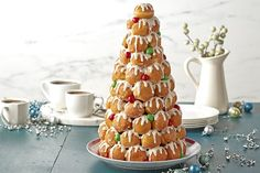 Make a statement with ease with our amazing Easy Cream Puff Tower recipe. This Easy Cream Puff Tower takes only 45 minutes to prep and tastes great! Kraft Foods, Kraft Recipes, New Recipes, Holiday Recipes, Christmas Recipes, Holiday Foods, Recipies, Croquembouche, Christmas Desserts