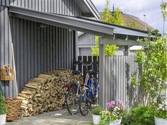 Want to know about backyard shed plans? Then here is without doubt the right place! Craftsman Sheds, Garbage Storage, Build Your Own Shed, Bike Shed, Atlanta Homes, Building A Shed, Outdoor Living, Outdoor Decor, Shed Plans
