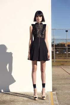 Discover the latest women's dresses from the new Cue collection. Shop our range of black dresses, evening dresses, floral dresses, casual dresses and… Lace Ruffle, Ruffle Dress, Dress Up, Womens Fashion Online, Latest Fashion For Women, Buy Dresses Online, Australian Fashion, Spring Summer Fashion, Work Wear