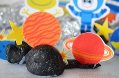 Download print and play with these free printable space characters - great for using with playdough or for imaginative play