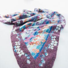 Poetry in Blue #knittingpattern #breipatroon #fairisle #Wieke  pattern available in English and Dutch