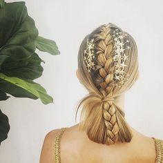 #hair #hairaccessories #starhairaccessories #goldenstarshairacessories #braidedhairstyles #braidedupo #braidedponytail #hairstylesfornewyearseve #blondehair
