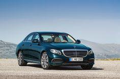 Mercedes E Klasa przedpremierowo na targach w Poznaniu oraz wiele nowości w ofercie niemieckiego producenta.  Więcej na: https://www.moj-samochod.pl/Nowosci-motoryzacyjne/Nowy-Mercedes-E-Klasa-na-targach-w-Poznaniu #Mercedes #MercedesEKlasa #MercedesE #Motorshow #MotorshowPoznan #Motorshow2016
