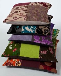 Handgemaakte kussens van Ookinhetpaars. Meubelstoffen zowel nieuw als recycled.
