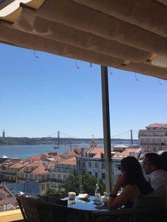 """Idée week-end : 10 (très) bonnes raisons de retourner à Lisbonne   via Grazia.fr   16/09/20915 """"Vous avez adorez - comme nous - La Capitale Portugaise, la tour de Belém et le Castelo São Jorge n'ont plus de secrets pour vous... Et pourtant il reste encore plein d'adresses qui méritent le détour (soit deux heures d'avion). Et oui, Lisbonne ne s'est pas fait en un jour !"""" #Portugal"""