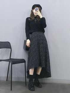 all black outfit turtleneck midi skirt Korean Street Fashion, Korea Fashion, Muslim Fashion, Asian Fashion, Modest Fashion, Look Fashion, Skirt Fashion, Hijab Fashion, Fashion Dresses