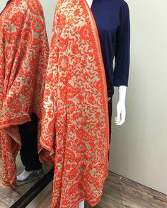 Indian Fashion Dresses, Ethnic Fashion, Indian Outfits, Pakistani Casual Wear, Pakistani Dresses, Indian Embroidery, Embroidery Fashion, Indian Ethnic Wear, Indian Style