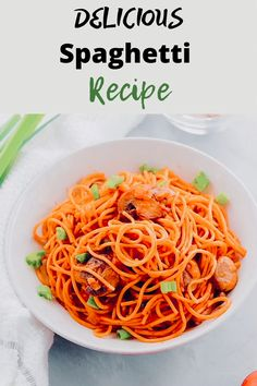 Spaghetti recipe that's perfect for vegans. Ready in 15 minutes and tastes super delicious. Who knew mushrooms and tomato sauce could go so well together? Trust me, this recipe would keep you wanting more. Veggie Recipes, Vegetarian Recipes, Cooking Recipes, Healthy Recipes, Pasta Recipes, Vegetarian Spaghetti, Vegan Pasta, Easy Dinner Recipes, Easy Meals