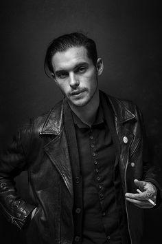 smokingcelebs:Dylan Rieder