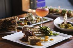Tampa Bay Times food critic Laura Reiley picks the area's best places to eat.