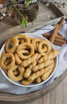 Koulourakia | Greek Cinnamon Cookies Κουλουράκια Κανέλας