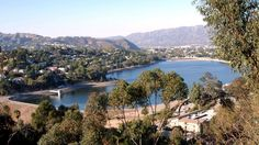 Refilling the Silver Lake reservoir is a huge mistake - Curbed LAclockmenumore-arrow : It should be turned into public space for all Angelenos Silver Lake Los Angeles, Paddle Board Yoga, Echo Park, Los Angeles California, Paddle Boarding, Wonderful Places, Pond, The Good Place, The Past
