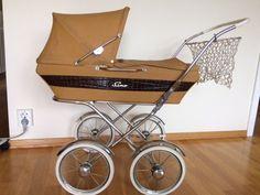 FINN – 'dukkevogn', Leker, Torget Vintage Pram, Vintage Dolls, Pram Stroller, Baby Strollers, Prams And Pushchairs, Dolls Prams, Baby Prams, Retro Toys, Barn