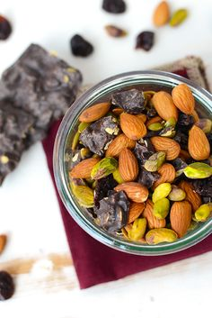 Make your own fall trail mix for a sweet and salty, in-season snack that's made with real food and in less than 5 minutes! I am totally that girl who picks out only the things that she likes… Trail Mix Recipes, Fall Recipes, Real Food Recipes, A Food, Food And Drink, Healthy Snacks, Healthy Recipes, Sweet And Salty, Sweet Treats