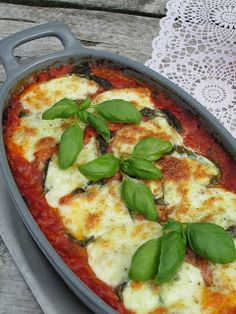 Lasagna with spinach and ricotta. Veggie Recipes, Pasta Recipes, Vegetarian Recipes, Cooking Recipes, Healthy Recipes, Veggie Food, I Want Food, Love Food, Veggie Lasagne