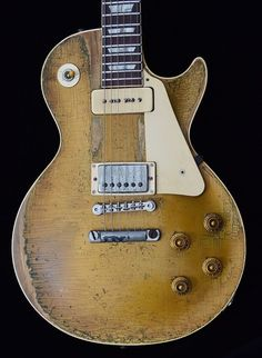 Become The Best Guitar Player Out There! Gibson Les Paul, Gibson Lp, Gibson Guitars, Gibson Gold Top, Gibson Electric Guitar, Electric Guitars, Les Paul Gold Top, Guitar Photos, Best Guitar Players