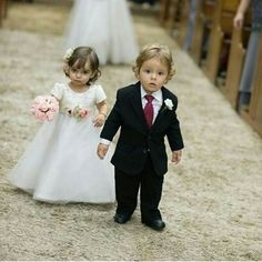 Para deixar o domingo de Páscoa mais fofo!!! Via: @vireinoiva #nozze #nozzenoivas #noiva #noivas #daminha #dama #daminhas #pajem #pajens #fofura #inspiração #casamentos #casamento #marriage #wedding #bride #brides #bridal #cute #cool #flowergirl #ringboy by nozzenoivas