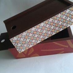 Cajas en madera pintada y papel