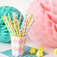 Voici les quelques étapes à suivre pour créer un petit moulin en papier et décorer vos jolies fêtes!