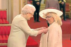 Jane Ward receives her MBE from the Queen for 30 years of service to drama