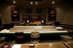 File:Neve VR-72 with FF at Studio 3 Control Room Center.jpg Neve Electronics was a manufacturer of music recording and broadcast mixing consoles and hardware. It was originally founded as Neve Electronics in 1961 by Rupert Neve, the man credited with creating the modern mixing console.[1]