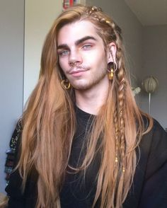 Men's Braids or Braid Hairstyles for Men's ultimate list different braid styles for 2019 that even those with short hair or shaved sides can rock! Mens Braids Hairstyles, Cool Hairstyles, Different Braid Styles, Grunge Hair, Hair Pictures, Hairstyle Pictures, Hair Goals, Hair Inspiration, Short Hair Styles