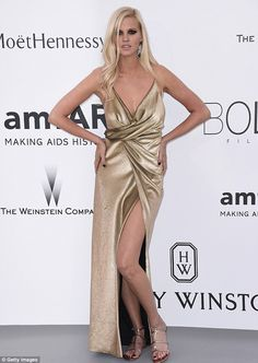 Lara Stone, 31, made a return to the red carpet in all her glory as she put on a stunning ...
