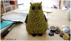 Abraham Owl - A free pattern download and tutorial from LollyChops