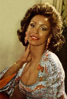 Quaintly marvelous photos of Freda Payne