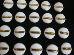 20 Stück Montageknöpfe,Jackenknöpfe mit Öse,Gold/Weiß,Durchmesser ca.24 mm,Neu,Lübecker Knopfmanufaktur von Knopfshop auf Etsy