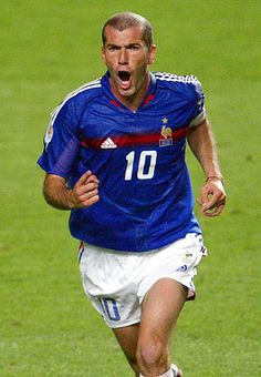 Zidane celebrando un gol con la selección francesa