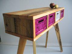 Möbel aus Paletten // wooden shelf, europallet via DaWanda.com