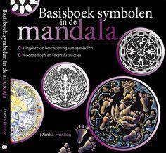 In het Basisboek symbolen in de mandala beschrijft Danka Hüsken de symbolen die zij samen met haar leerlingen gedurende de afgelopen twintig jaar heeft onderzocht en uitgewerkt. Symbolen zijn bepalend voor de cultuur waarin je leeft. Ons collectieve geheugen beschikt over universele symbolen. Zelf kunnen we de symbolen ook via het Universum bereiken en oproepen.